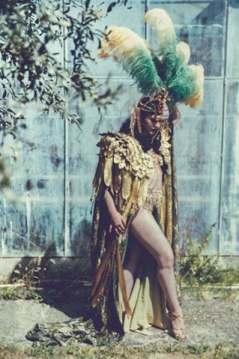 0_perf_002 betsy_rose_-sara-_costantini_-costume2